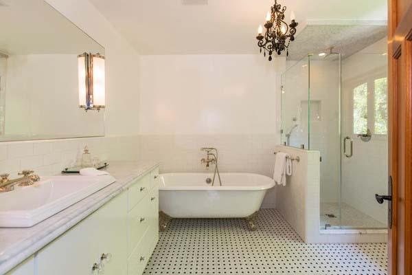 Chọn gạch Viglacera cho phòng tắm.